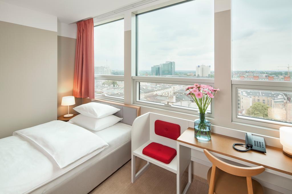 ALTUS Hotel.Room