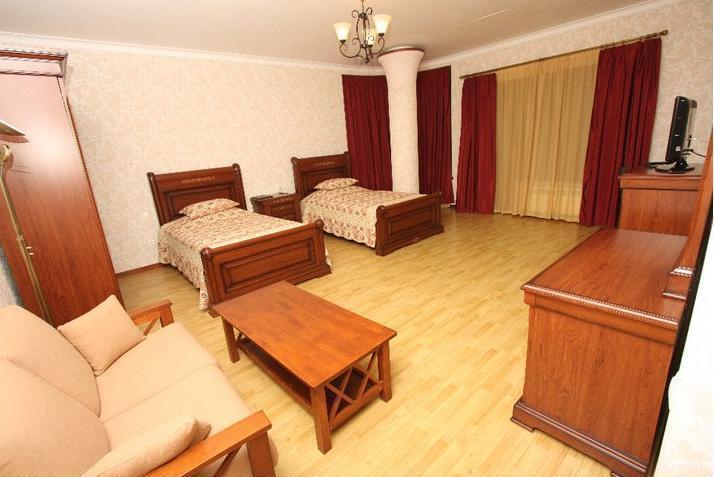 Beaumonde Garden Hotel.  double room