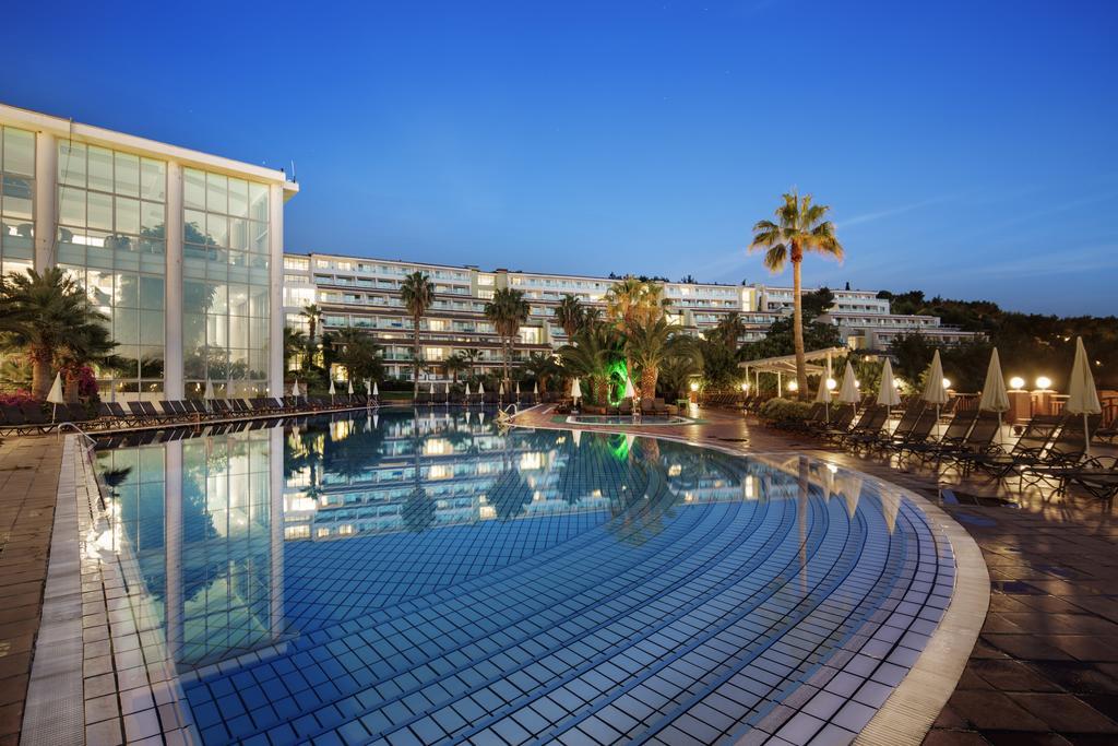 Pine Bay hotel.