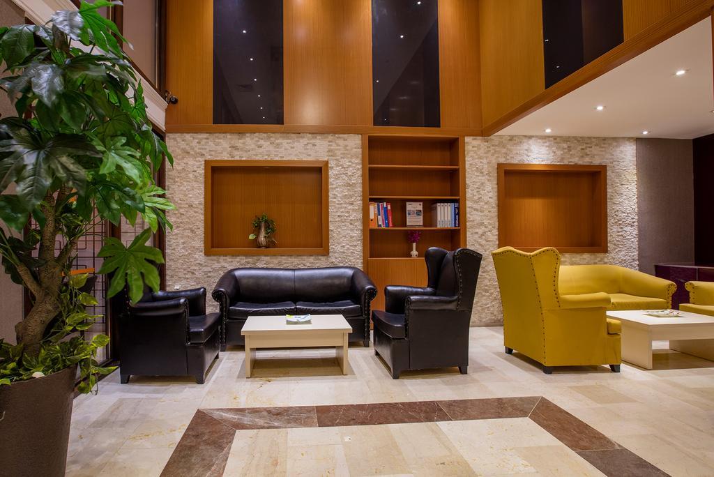 PANORMA HILL hotel . labi