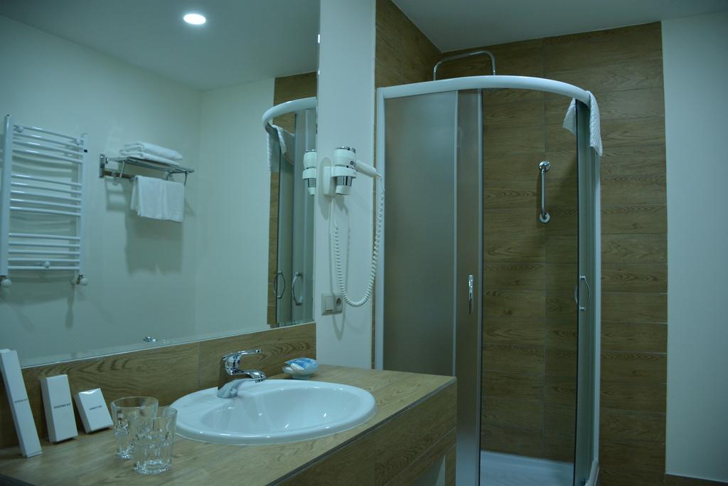 Best Western Hotel.Bathroom
