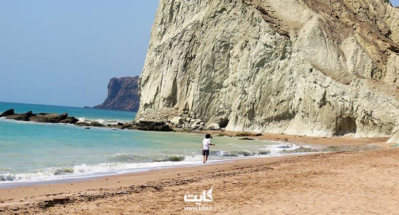 مفنق زیبا ترین ساحل هرمز به همراه عکس