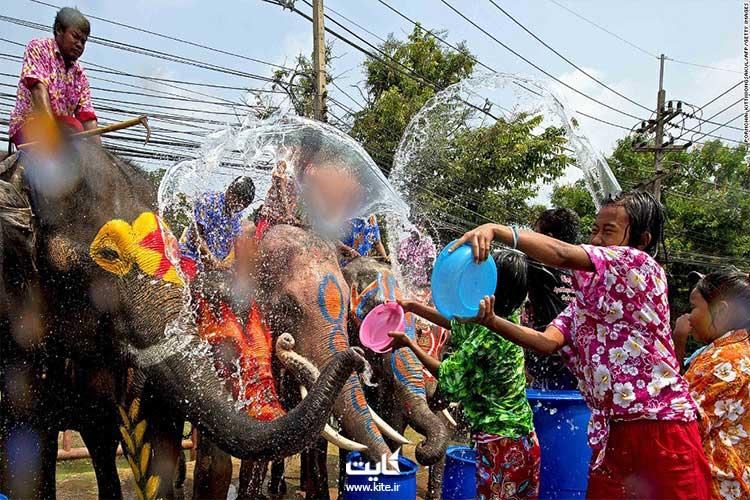 جشن آب تایلند ؛ زمان، مکان و رسومات