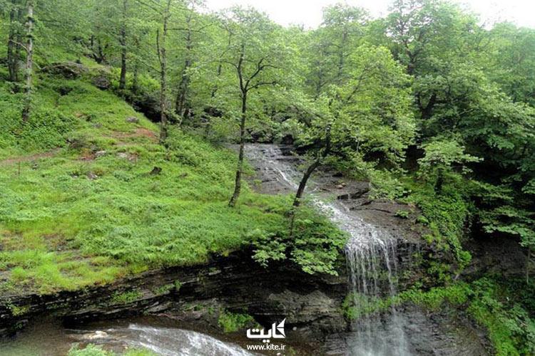 آبشار-لاتون،-آبشاری-حیرتانگیز