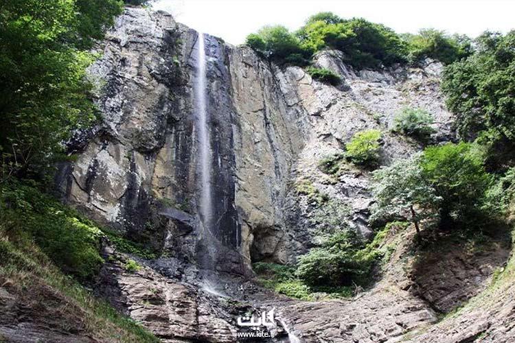 آبشار-لاتون