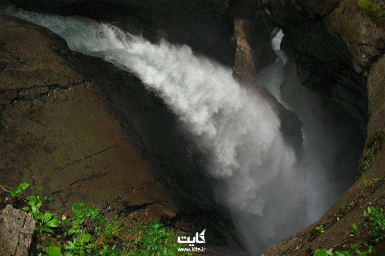 Trummelbachدیدن غرش 72 آبشار ترومِلباخ