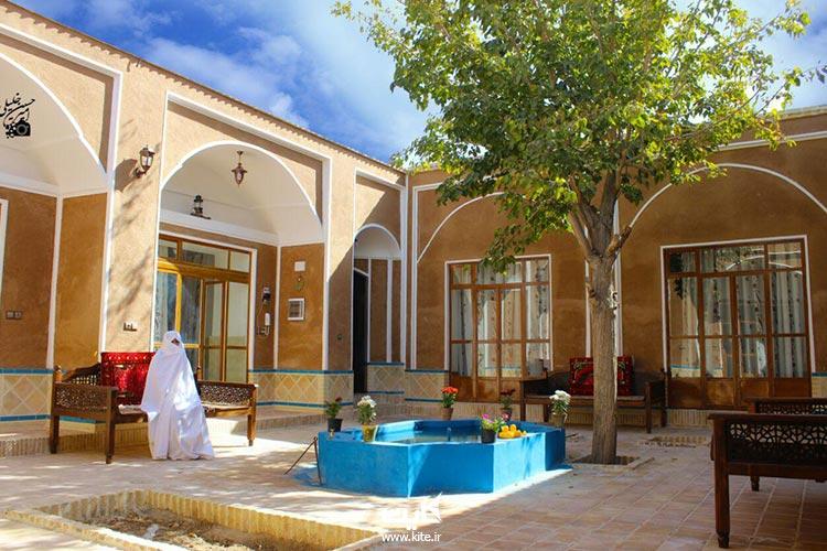 اقامتگاه-بومگردی-حافظ