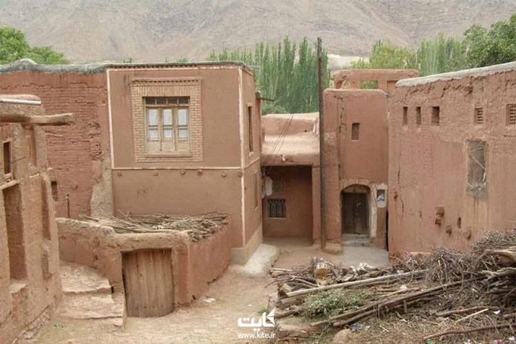 اقامت-و-خوراک-در-روستای-درک