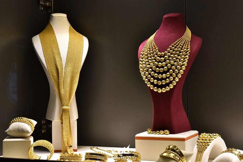 جواهرات و وسایل ارزشمند خود را در گاوصندوق هتل رها کنید