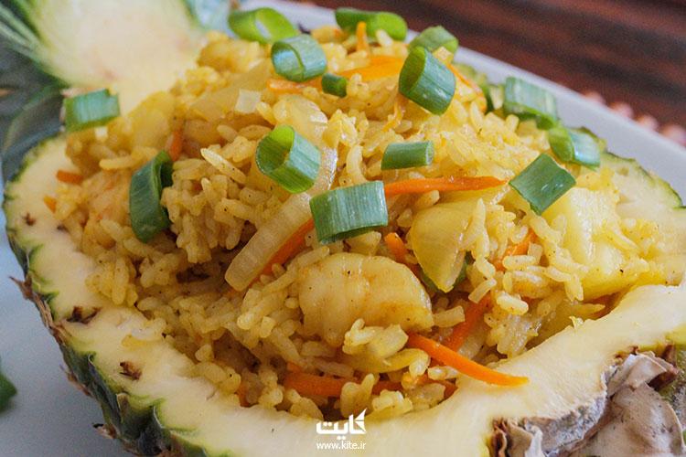 خائو-فات-(برنج-سرخشده)
