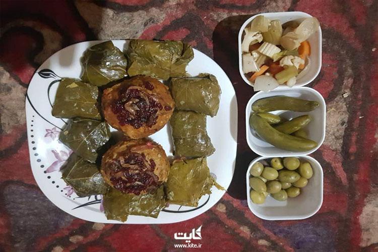 خوردن شام و شبنشینی در تور ترکمنصحرا