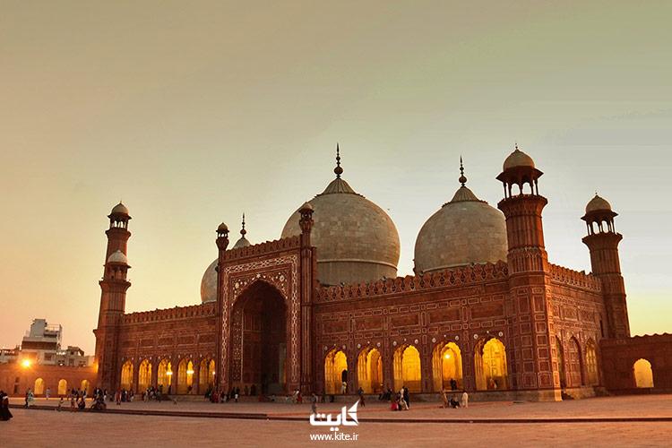 مسجد-بادشاهی-از-بزرگترین-مساجد-جهان