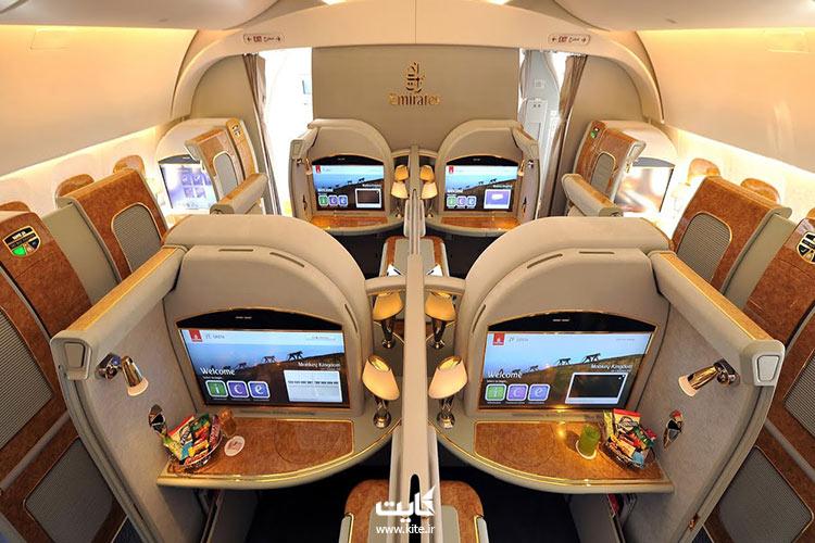 نمای-داخل-کابین-هواپیمایی-امارات