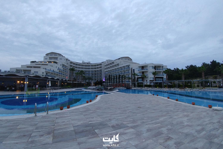 هتل ساحلی sealight