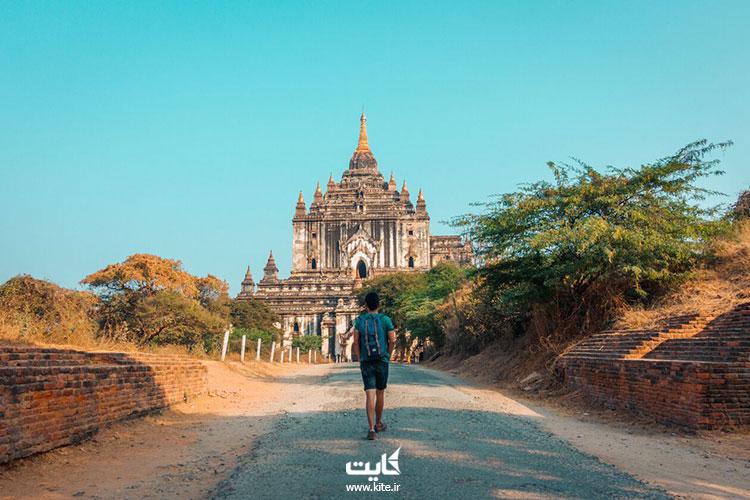 پیادهروی-به-سوی-معبد-در-سفر-به-باگان