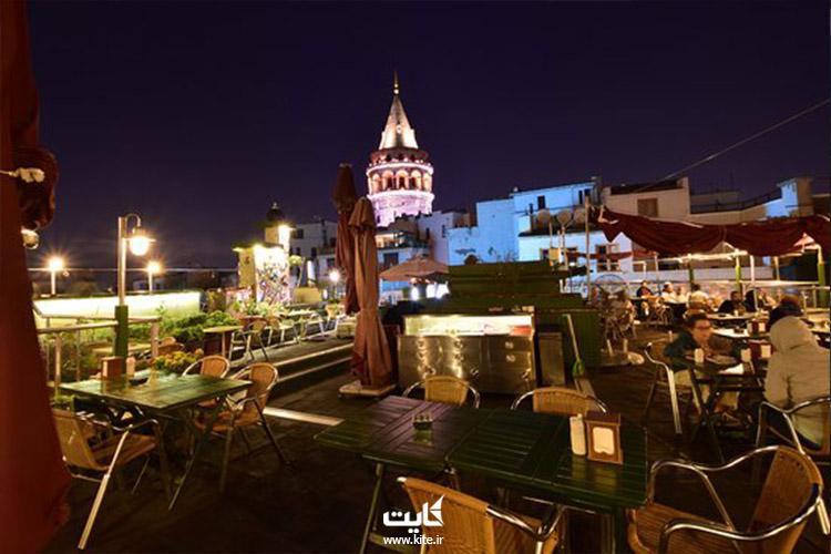 کافه-گالاتا-کوناک-از-بهترین-مکانهای-استانبول-برای-خوردن-چای