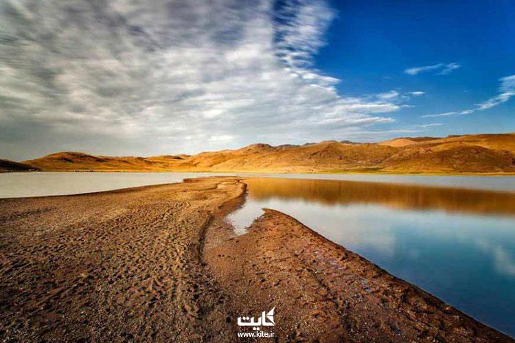 نمایی از دریاچه نئور