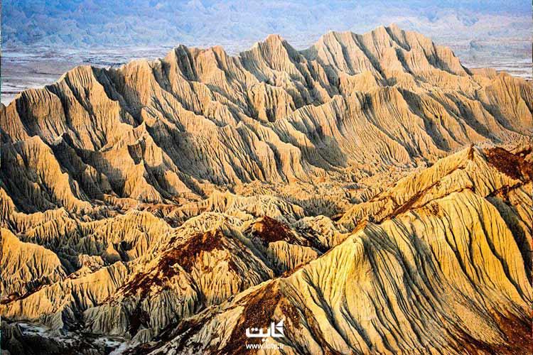 نمایی از کوههای مریخی چابهار