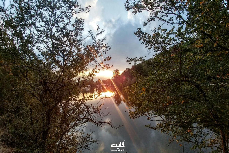 دریاچهی شورمست