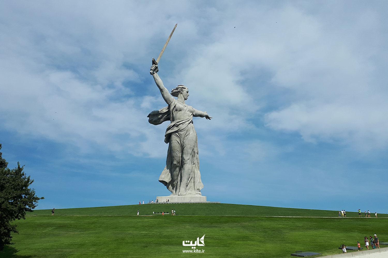 مجسمه مادر روسیه