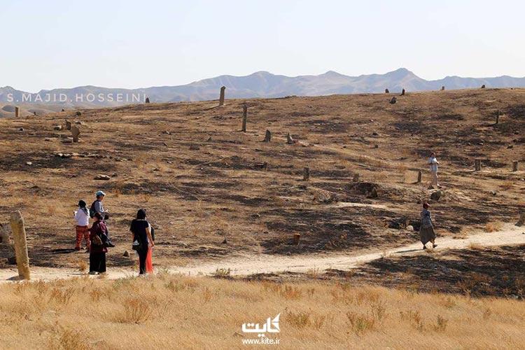 نمایی از قبرستان خالد نبی