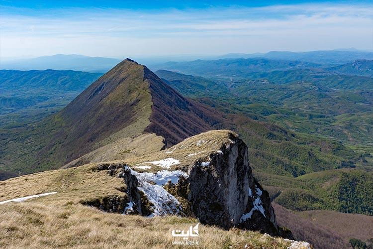 کوه هرمی