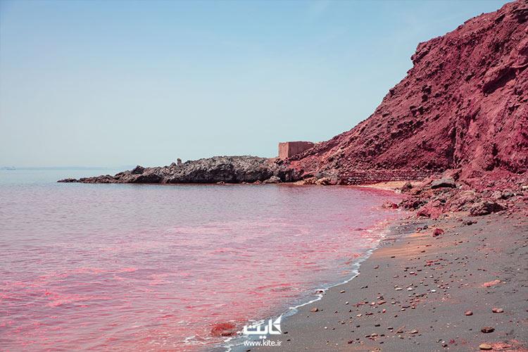 نمایی از ساحل سرخ در نزدیکی ساحل مفنق