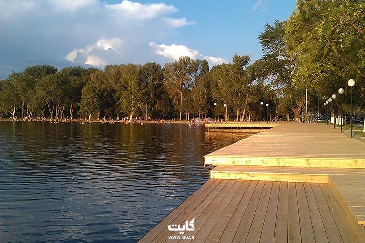 از منظره دریاچه لیسی دیدن کن: