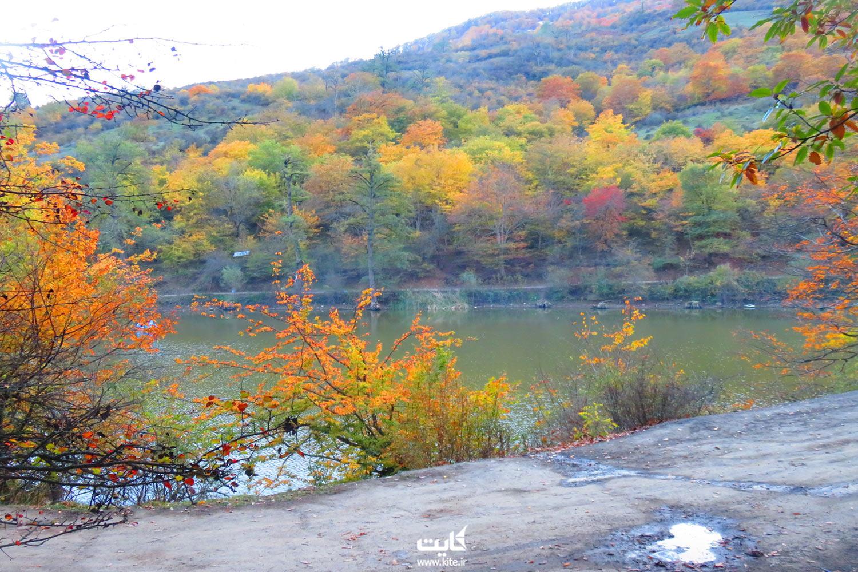 مسیر دسترسی به دریاچهی شورمست