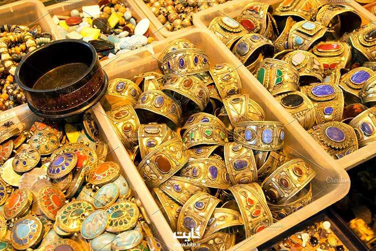 جواهرات موجود در بازار بزرگ استانبول