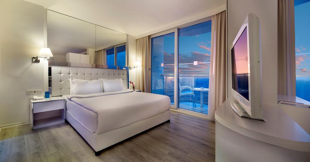 . hotelLe Bleu