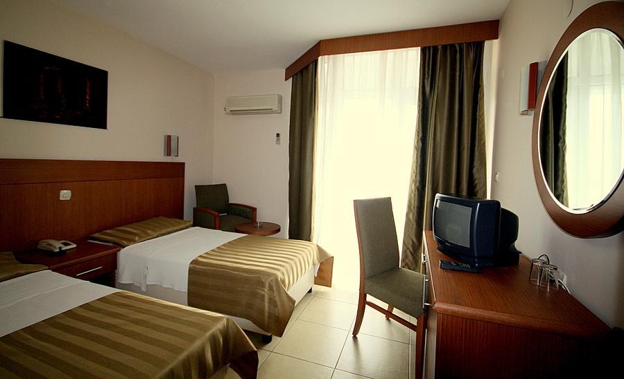 SURTEL hotel.room