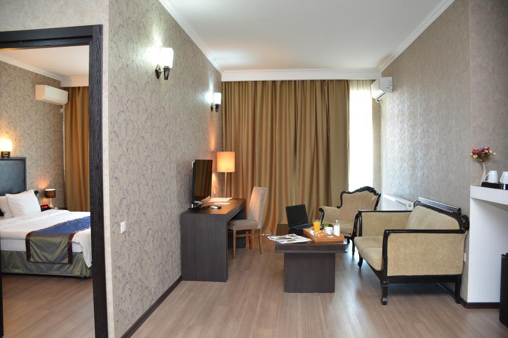 Best Western Hotel.room