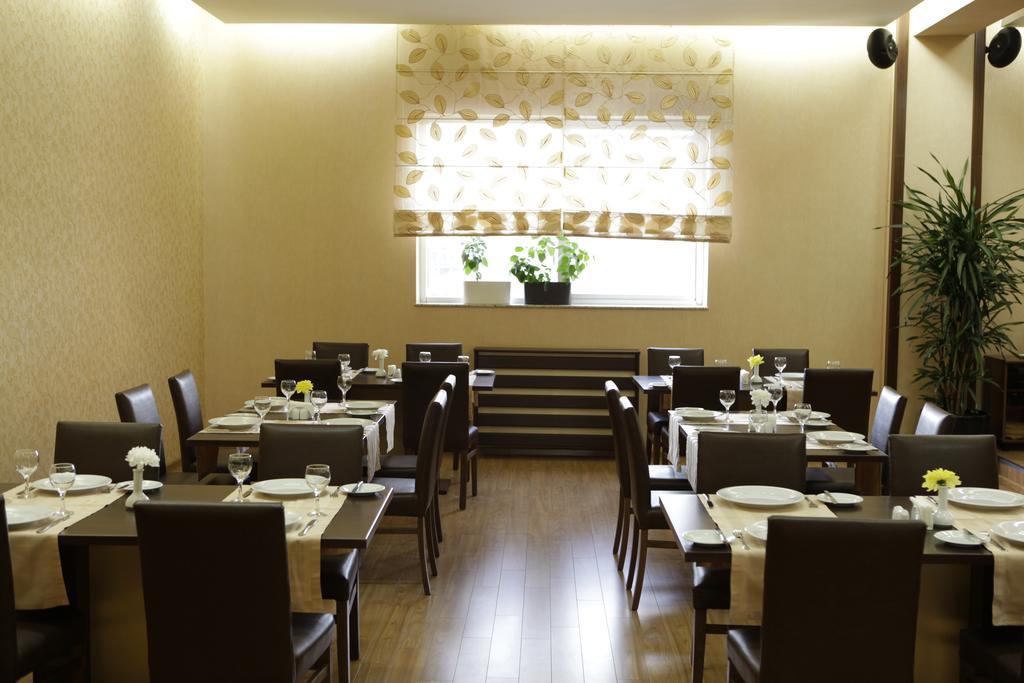 DAYS Hotel.Restaurant