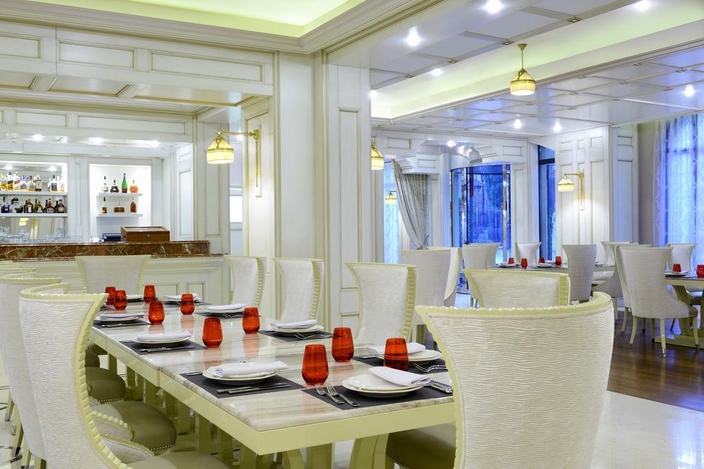Ambassadori hotel.  Restaurant