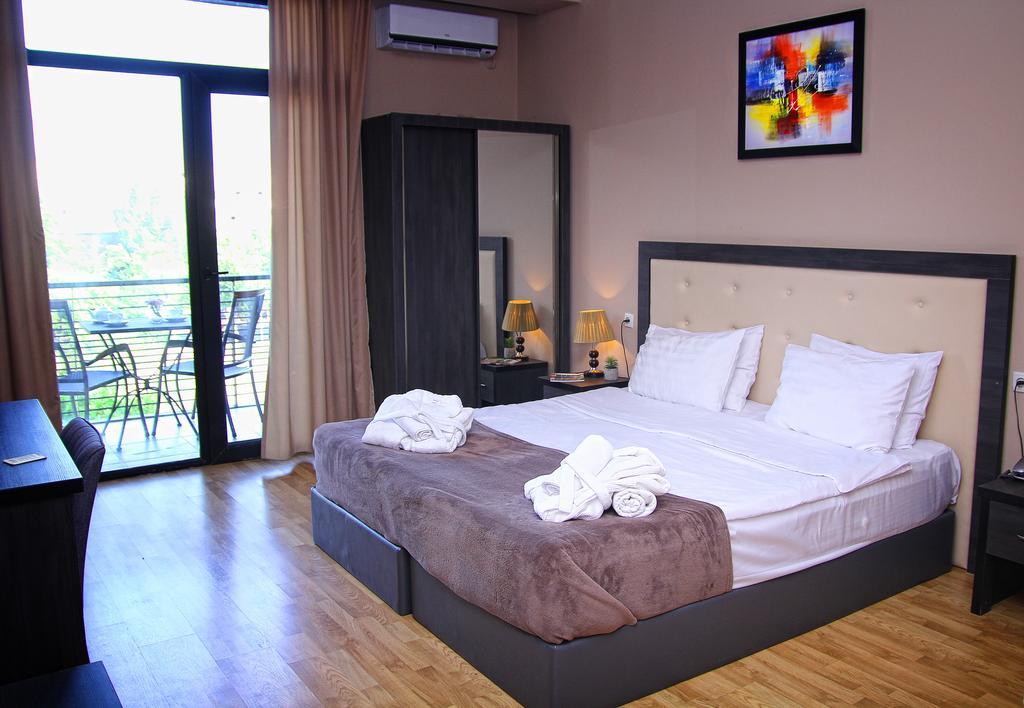 Rogalux Hotel