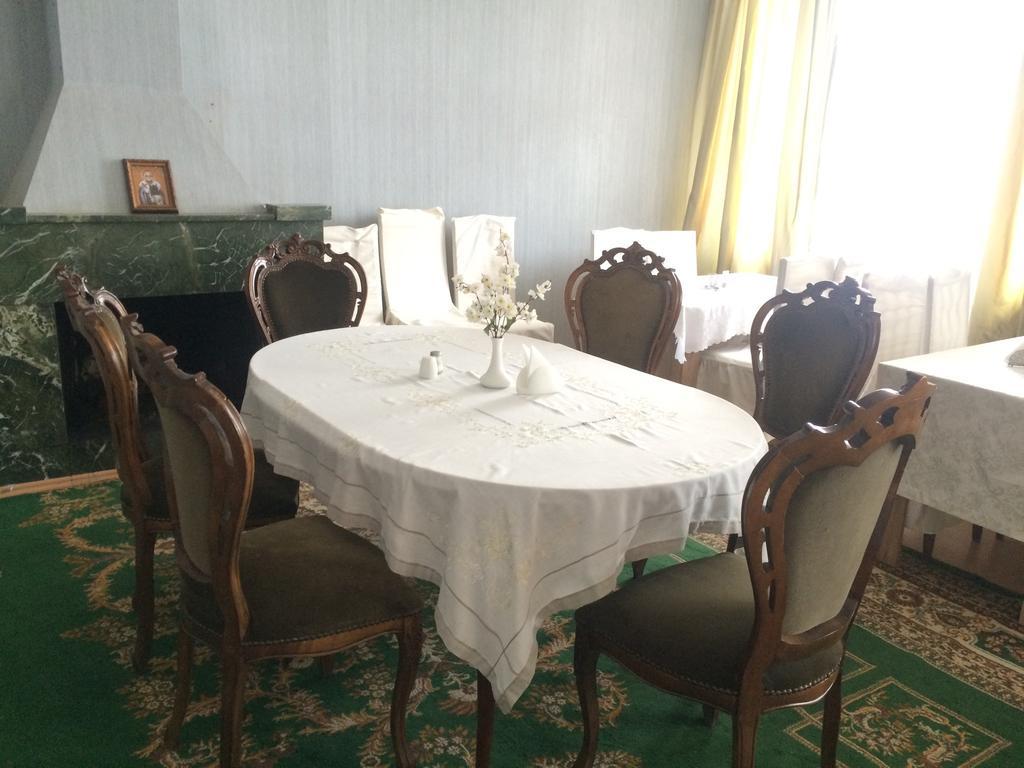 Garden Hotel.room