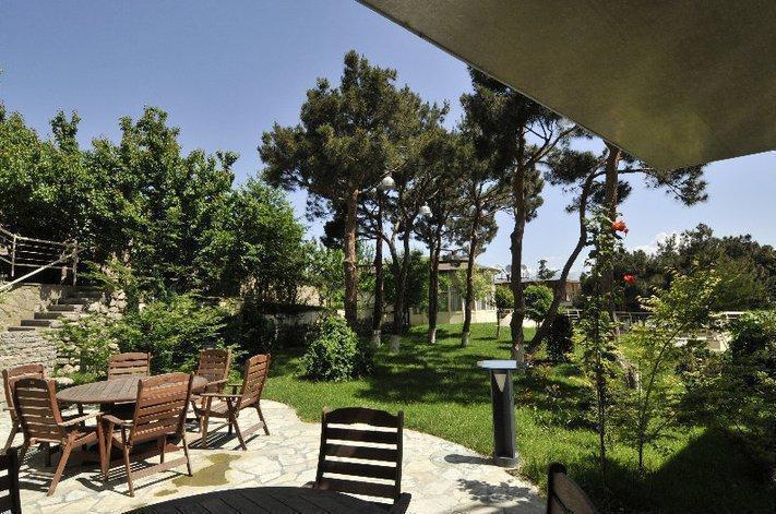 Beaumonde Garden Hotel.  Garden