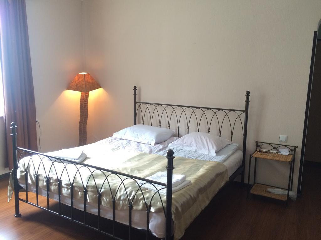 Garden Hotel.twin room