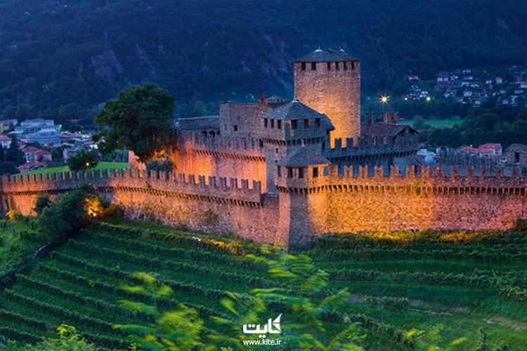 از بزرگترین قلعه های جهان دیدن کن